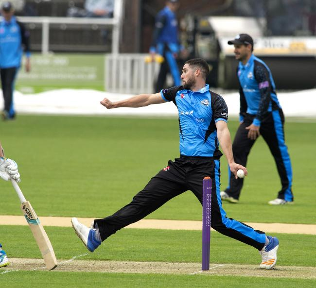 Wayne Parnell took 4-25 in Worcestershire Rapids' home loss to Leicestershire Foxes. Picture: PAUL FRANCE/WRITE ANGLE MEDIA