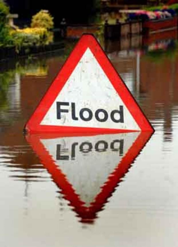 Limited flooding risk during dry weekend