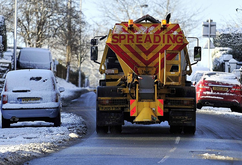 Gritters hit the road as temperatures drop below freezing