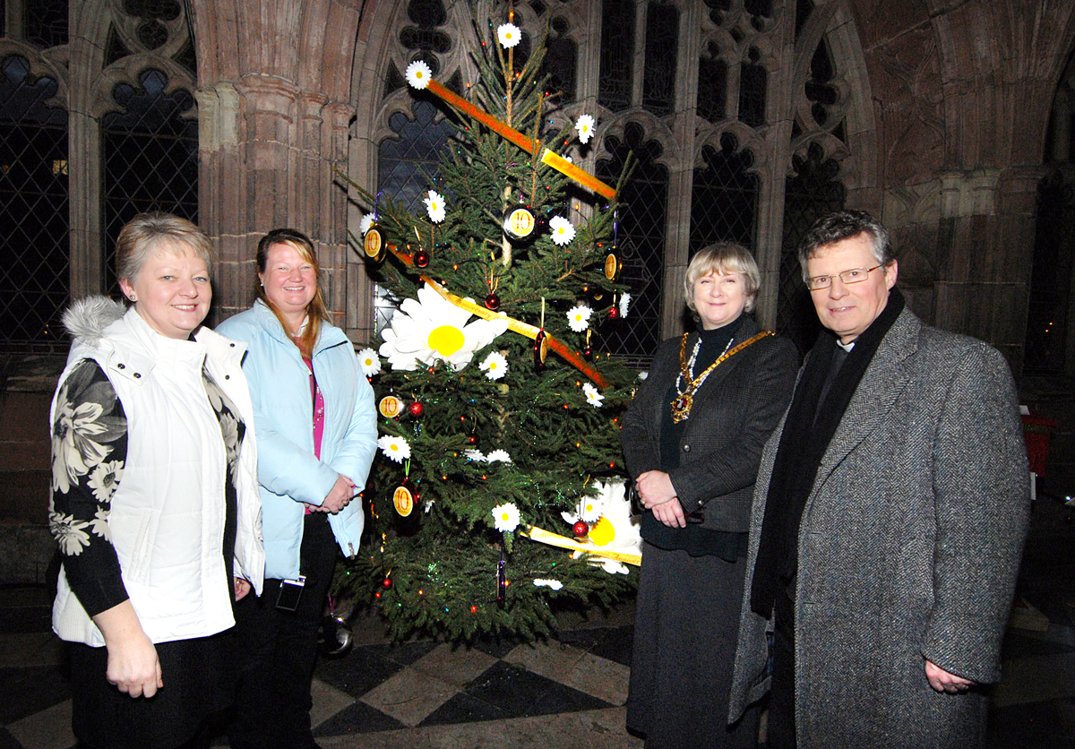SHINING: From left, director of Daisychain Benevolent Fund Davina Roberts, festival administrator Lesley Jaye, Mayor Pat Agar and Dean of Worcester Peter Atkinson. BUY THIS PHOTO: worcesternews.co.uk/pictures/sales. 4913470601