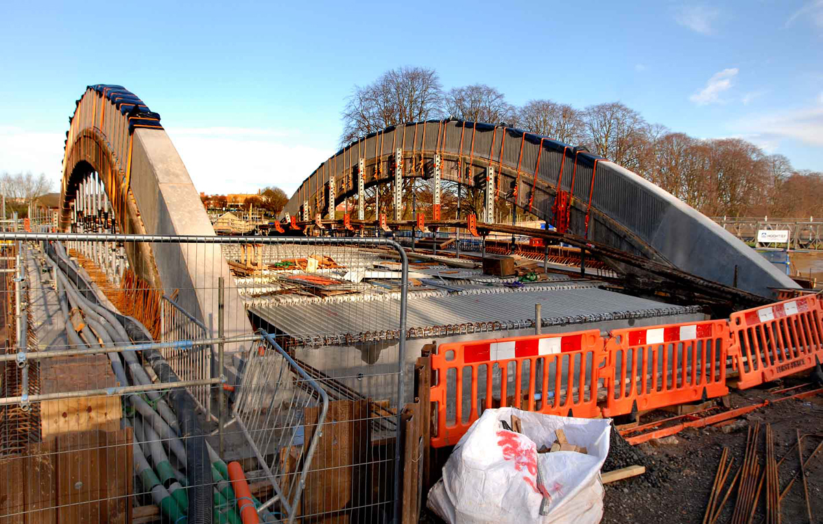 Work on Evesham's Abbey Bridge has been delayed