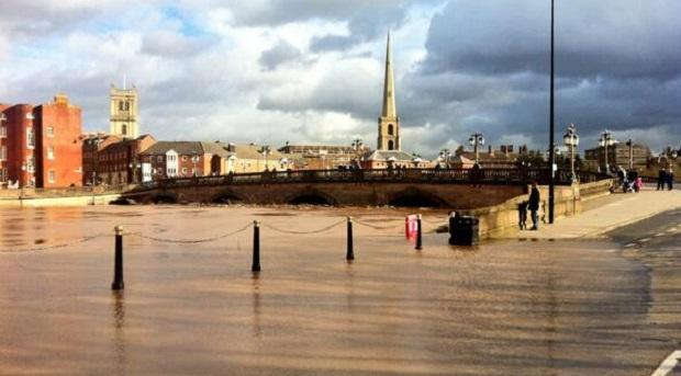 Flooded Worcester, looking towards the bridge