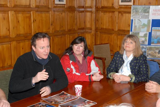 0814523201 Paul Jackson 17.02.14 Upton-upon-Severn Prime Minister David Cameron visits Upton. Meeting local business owners. (4040443)