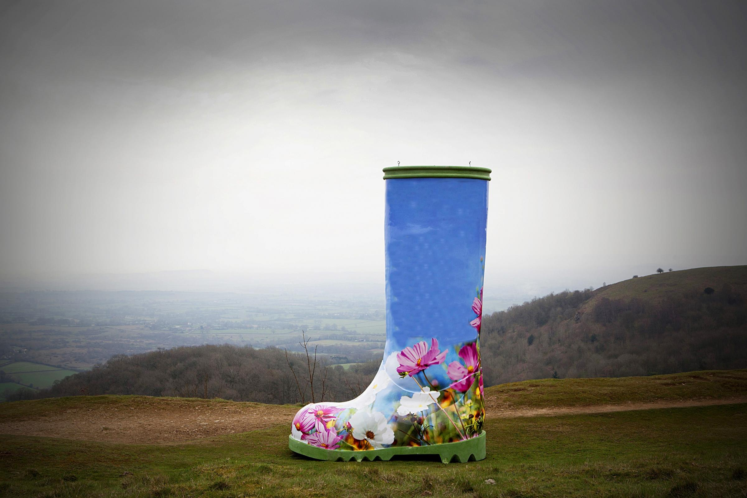 Controversial new art installation to give tourism some welly