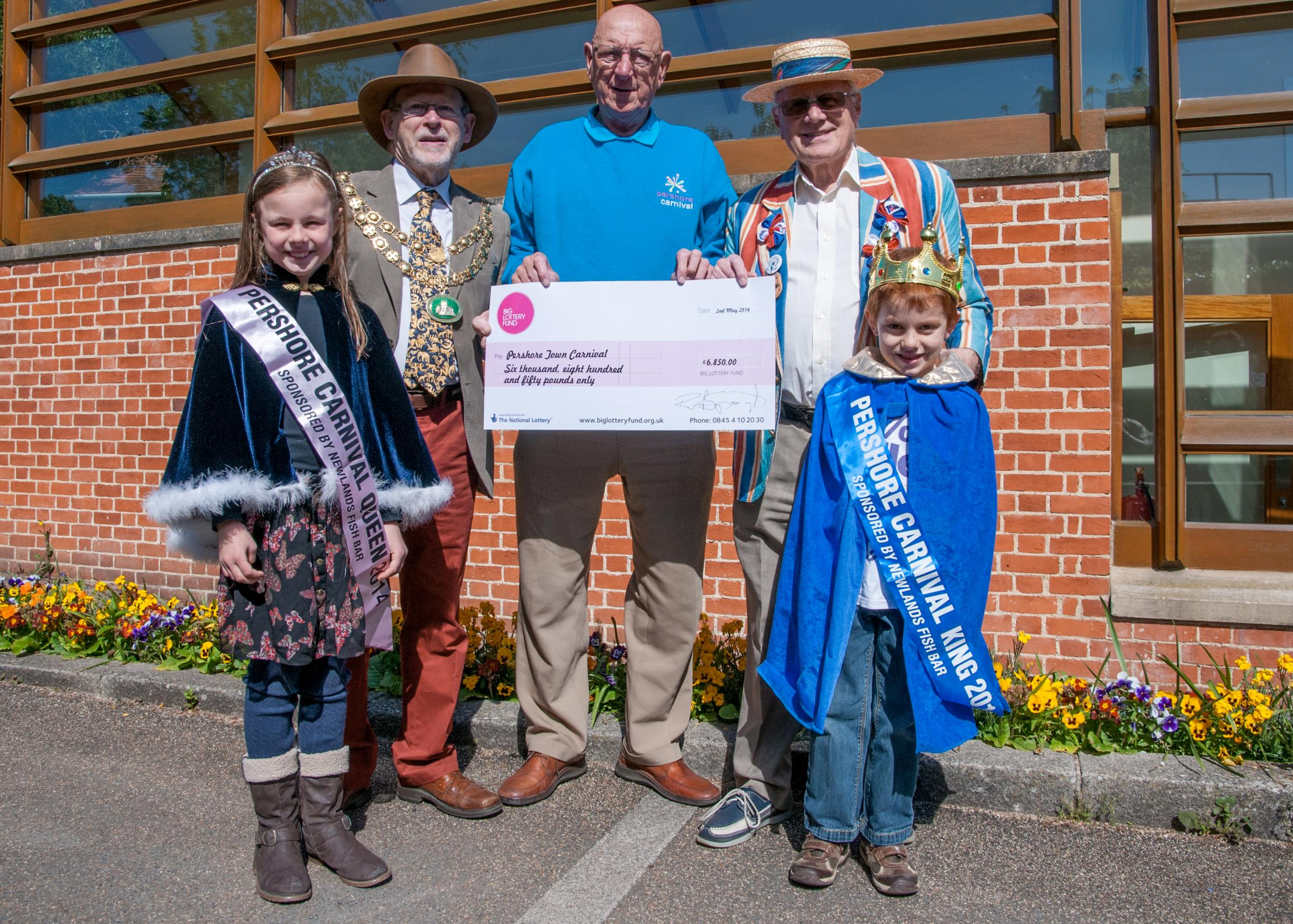 Carnival Queen Lucy Jones, Pershore Mayor Charles Tucker, Carnival Chairman Colin Shepherd, Evening Concert Organiser Robert Speight, 2014 Carnival King Corley Frost. (left to right). Photo by Craig Frost.