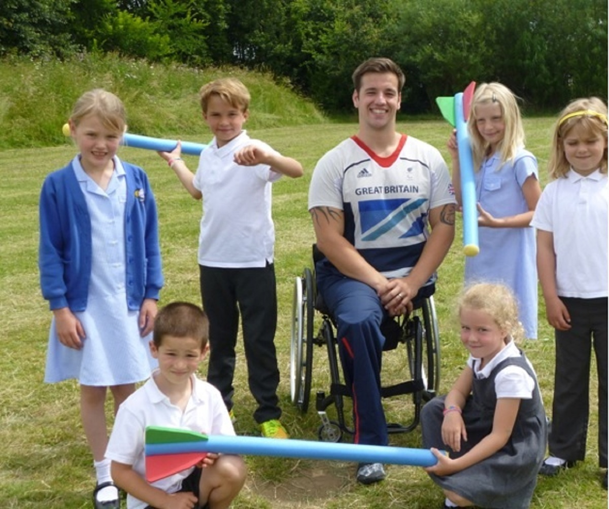 Paralympian Javelin Thrower Nathan Stephens visits Cropthorne with Charlton First School.