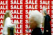 Shoppers keen to find bargains as the sales start at the Bluewater Shopping Centre in Kent, Monday December 27, 2004. Retailers reported a brisk start to the annual bargain fest. See PA Story CONSUMER Sales. PRESS ASSOCIATION Photo. Photo credit should re