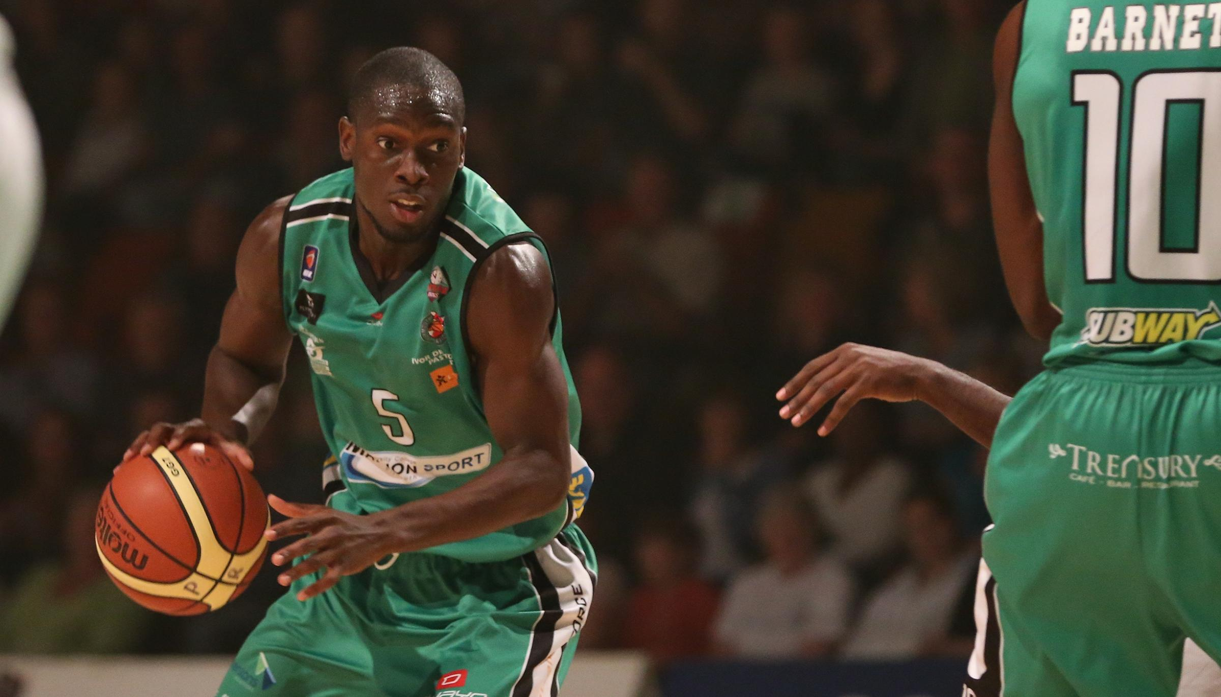 Mike Ojo in action for Plymouth Raiders