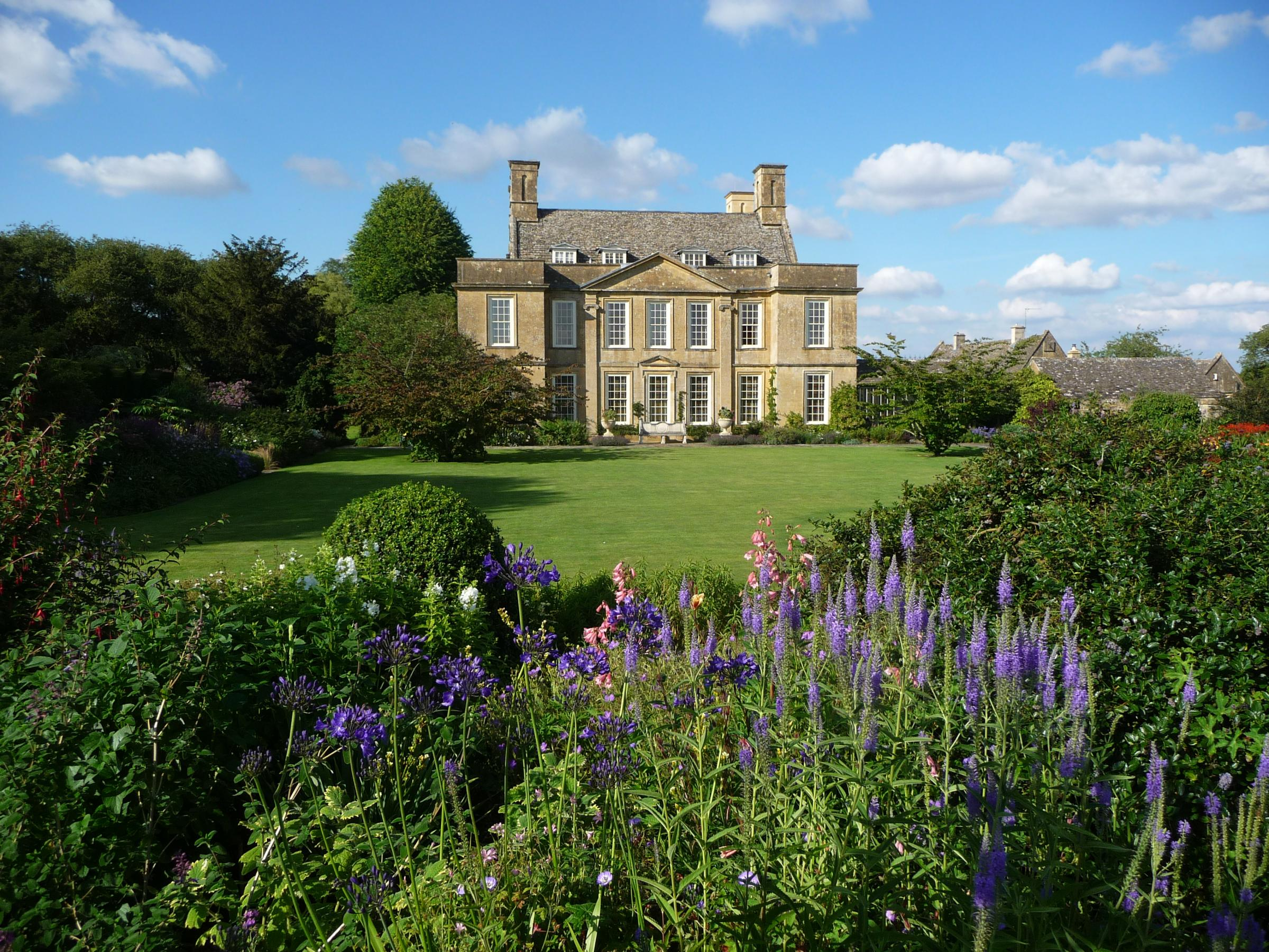 Bourton House Garden 2019 season
