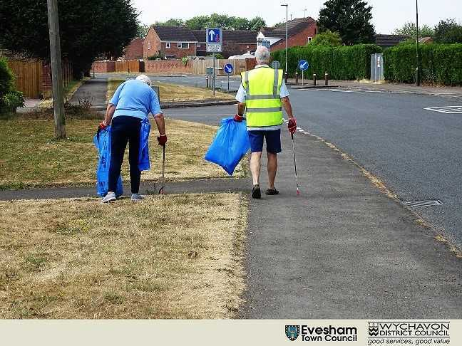 PICKY: Volunteers with the The Evesham Town Plan Anti-Litter Group