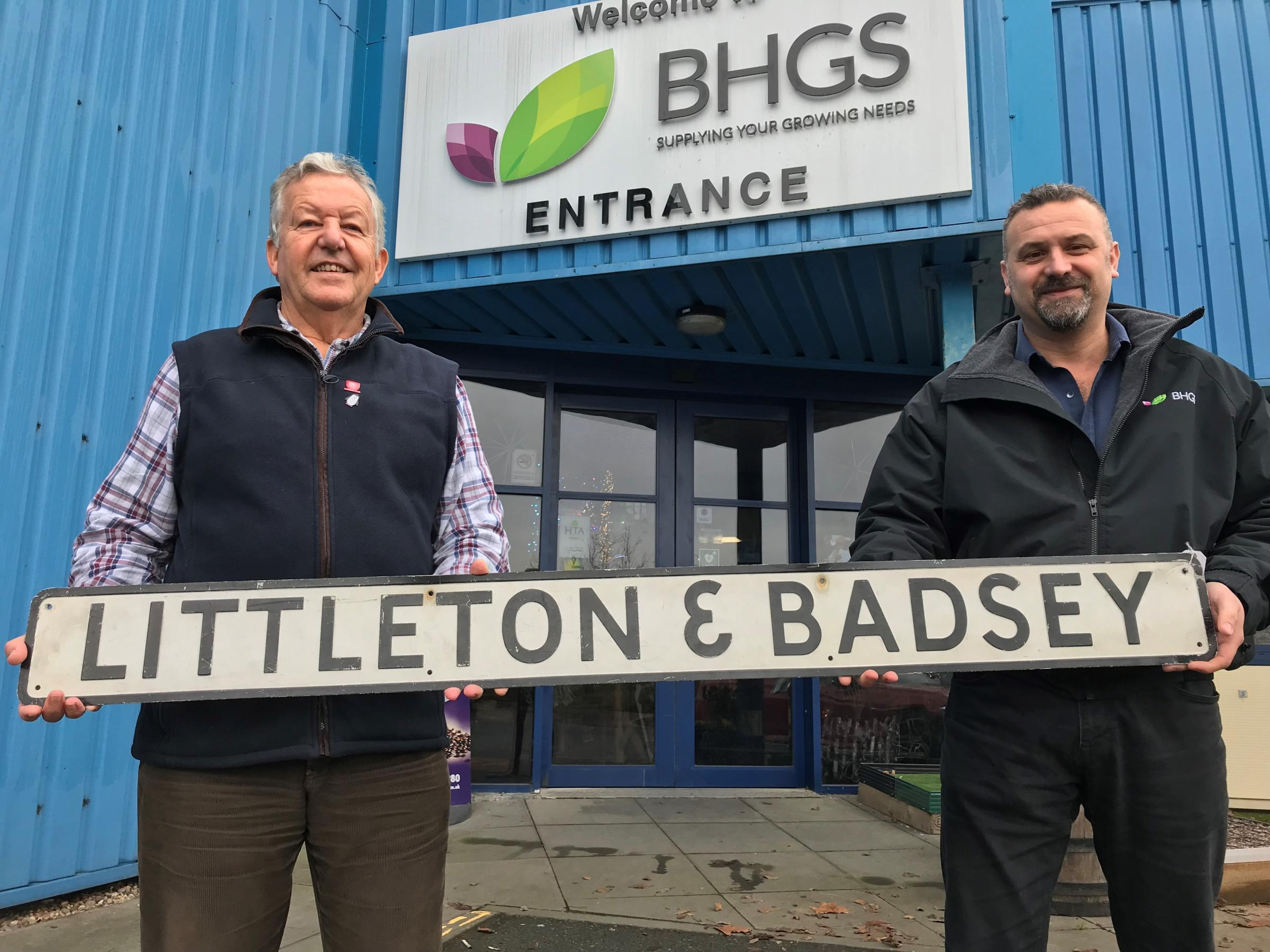 Littleton & Badsey signal box sign returns home after railwayana auction