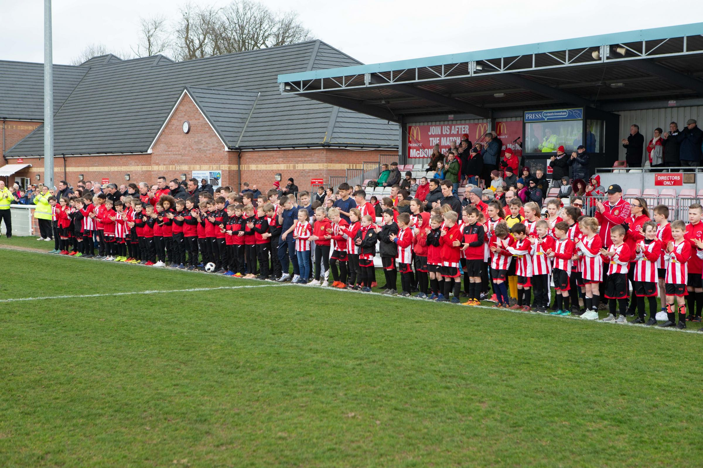 THANK YOU, DAVE... Evesham United's youth section pays tribute to Dave Giles. Pics: stuartpurfield.co.uk