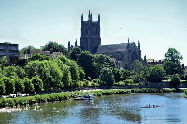 The River Severn and Worcester Cathedral bathed in sunshine, as the hot weather continued. Pic Jonathan Barry 25.6.18.